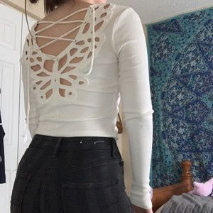 long sleeve lace up back burrerfly white crop top